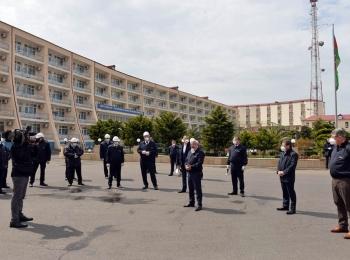 Президент SOCAR осмотрел производственные участки на Нефтяных Камнях