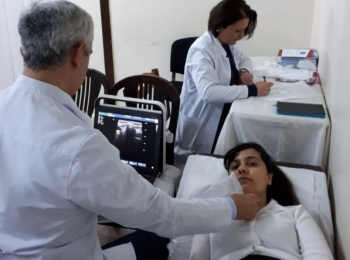 В Шеки проведено обследование щитовидной железы среди школьников.